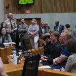 布萊德彼特現身縣政委員例會支持洛縣美術館建案