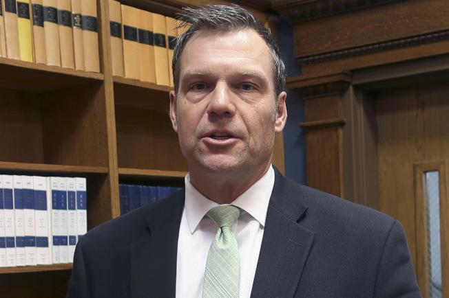 部分保守派力推反無證移民的堪薩斯州前州務卿柯巴奇出任國安部長。(美聯社)