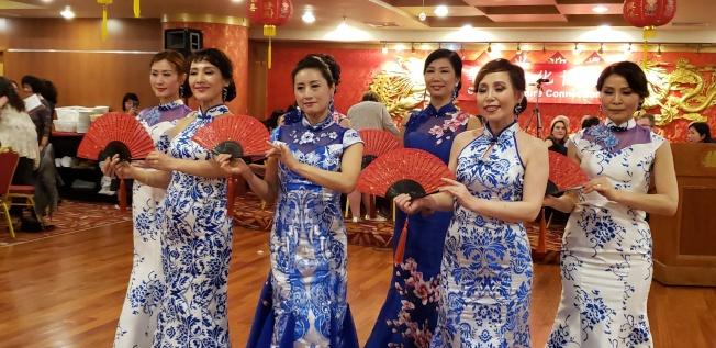 BLT時隊展示美麗的旗袍秀。(記者唐嘉麗/攝影)