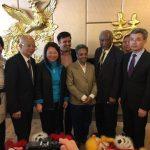 市長當選人華埠謝票 重申將助設華埠高中