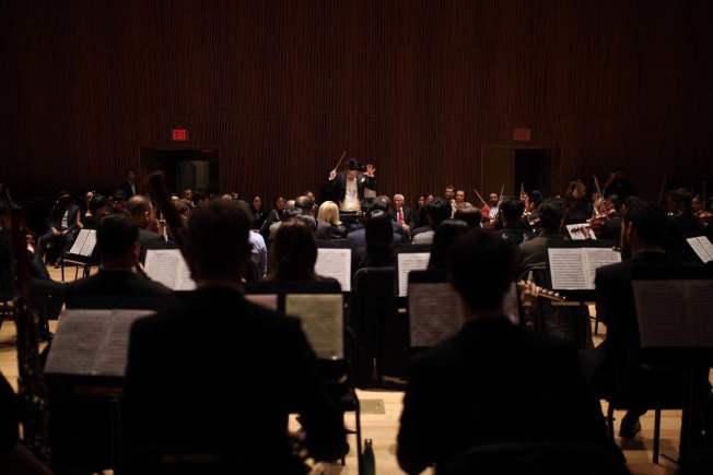 華裔指揮家馮大猷領銜美國國際室內樂團帶來「藝術人生」沈浸式音樂會。(美國國際室內樂團提供)