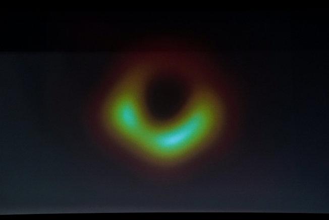 人類首次親眼目睹黑洞影像。(路透)