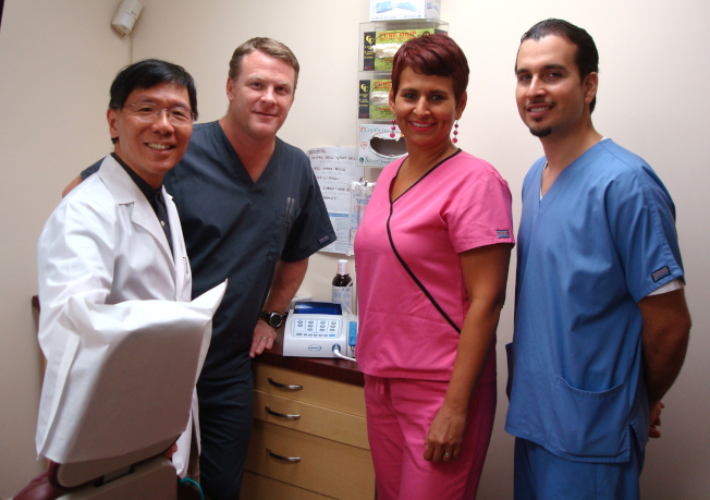 黃信達牙醫博士的經驗豐富的牙周病專業團隊