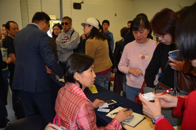 大學助學金及稅務規畫專家Michael Chen。(記者王全秀子/攝影)