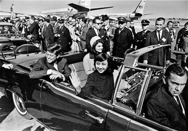 劉思麟陪甘迺迪總統夫婦出行。(取材自北京青年報)