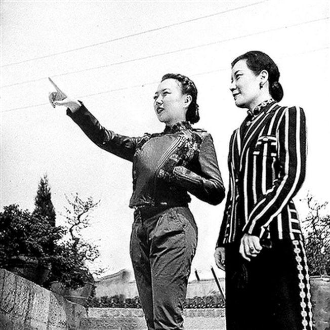 劉思麟在宋美齡身邊指點江山。(取材自北京青年報)