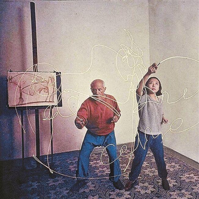 劉思麟與畢卡索一起作畫。(取材自北京青年報)