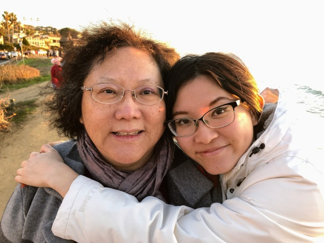 朱詠慈與媽媽合影。(朱詠慈提供)
