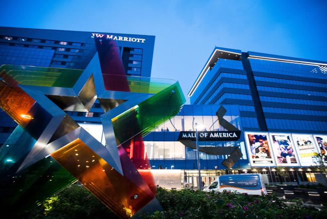 「美國購物商場」是全美最大的商場之一,也是明尼蘇達州布魯明頓的地標。(TNS)