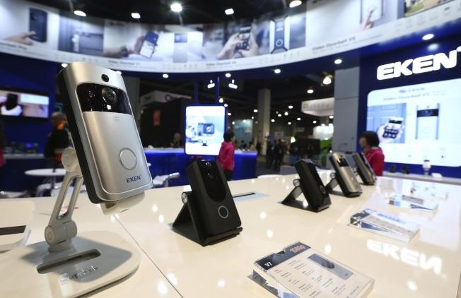 許多電子產品都用Wifi聯結,所以科技公司能夠掌握用戶行蹤。(美聯社)