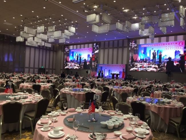 南加州僑界歡迎高雄市長韓國瑜大型晚會準備就緒,聖蓋博喜來登酒店一片祥和。(記者楊青/攝影)