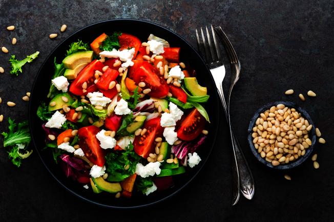 身體無法自己製造不飽和脂肪酸,多存在蔬菜、堅果和橄欖裡。 圖/ingimage