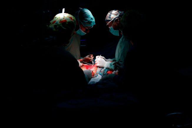醫生的工作關係著患者健康與性命。(Getty Images)