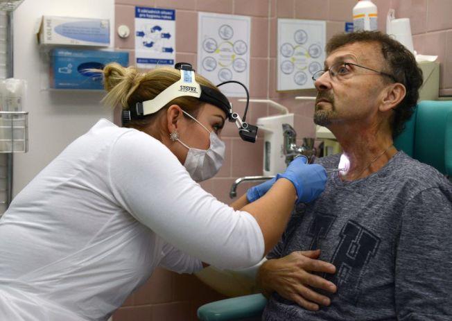 醫護工作需要接觸形形色色的患者。(Getty Images)