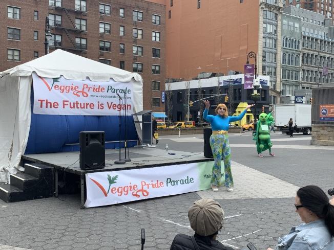 遊行結束後,主辦方在聯合廣場舉行了表演和慶祝活動。(記者和釗宇/攝影)