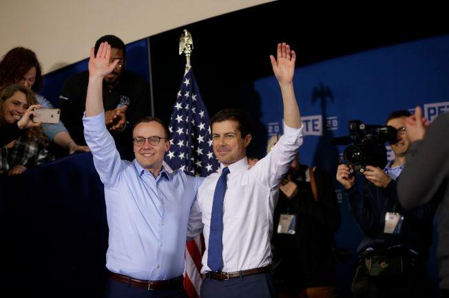 印州南灣市長布塔朱吉14日宣布正式參加民主黨總統提名初選。他是第一位宣布出櫃的民主黨總統參選人。圖左為他的先生配偶Chasten Buttigieg。(Getty Images)