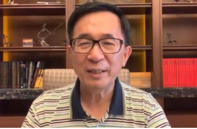 韓國瑜在洛杉磯受訪時,指過去三屆總統都是台大法律高材生,主政後卻讓台灣經濟殘廢了。圖為前總統陳水扁。(翻攝自陳水扁臉書)