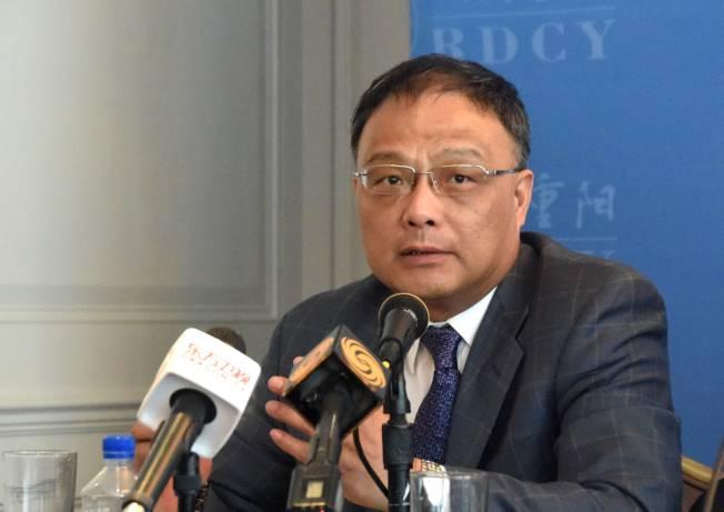 美國因國安考量禁止部分中國學者入境,簽證因此被註銷的中國學者朱鋒15日表示,這顯示美國對中國關係正在全面「泛安全化」。﹙中新社﹚