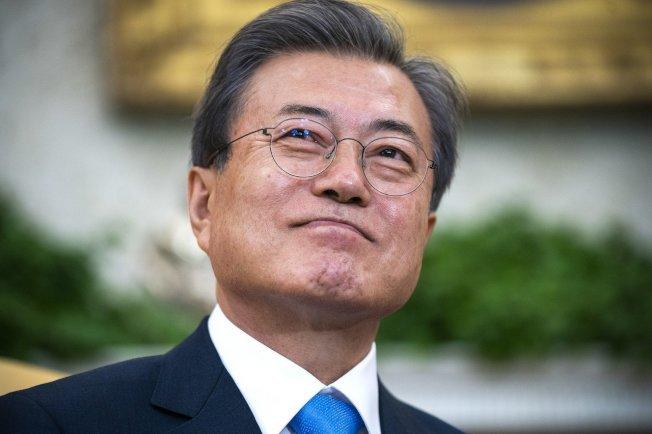 南韓總統文在寅表示,願意在任何地點與北韓領導人金正恩舉行第4次南北韓高峰會。歐新社