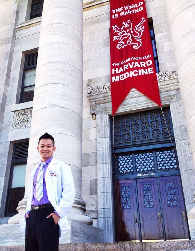 耶魯大學校友董冠亨目前在哈佛大學醫學院深造。(董冠亨提供)