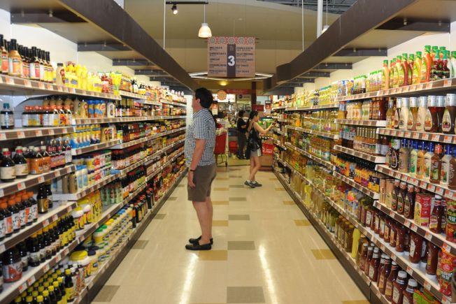 HMart超市店內寬敞明亮的購物空間,陳列南北雜貨,應有盡有,貨品都一應俱全。