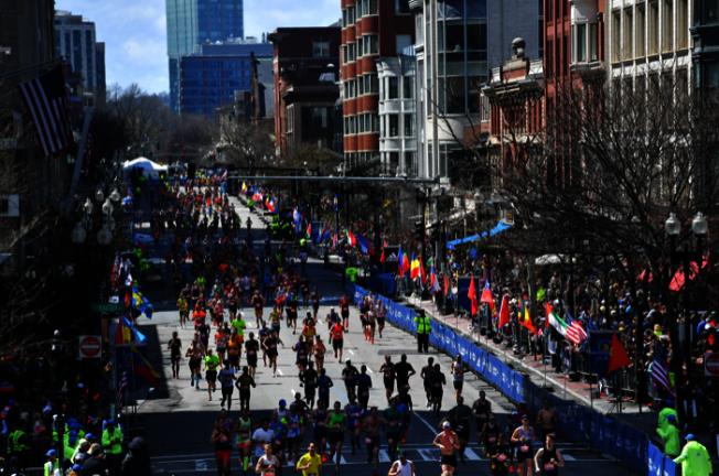 波士頓馬拉松最後勇士 堅持9小時完賽