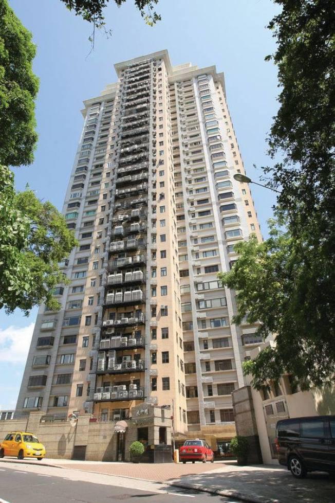 鄭秀文1999年以2280萬港元購入大坑大寶閣高層,現市值達9000萬港元。(取材自臉書)
