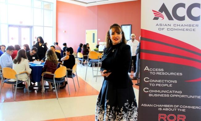 商學院教授Dalia M. Sherif強調導師指導的重要性。(記者盧淑君/攝影)