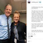 空姐誤將飲料灑公司CEO身上 結局讓她又驚又喜