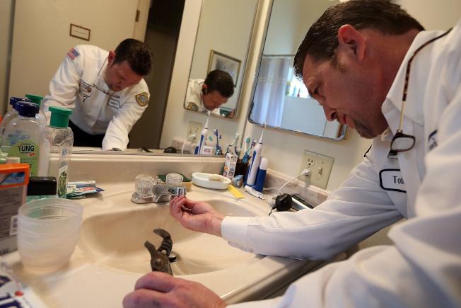 亞特蘭大的水管工年薪與佣金達9萬元,比地區平均所得高70%。(Getty Images)