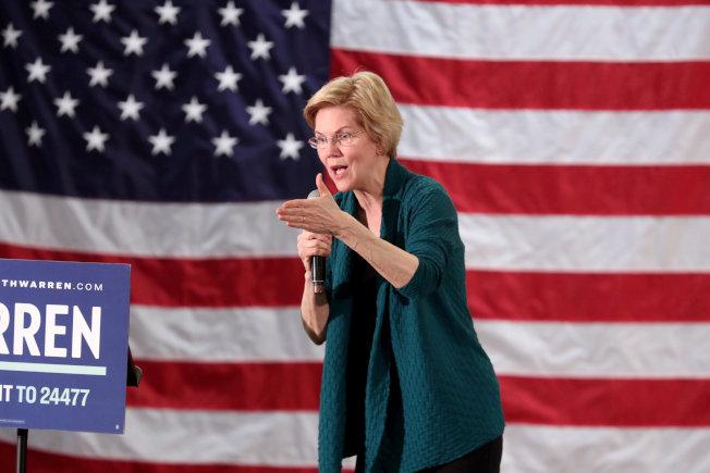 民主黨籍國會參議員華倫首先發難,將提案彈劾川普。(路透)