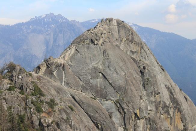 莫羅岩海拔6725呎。