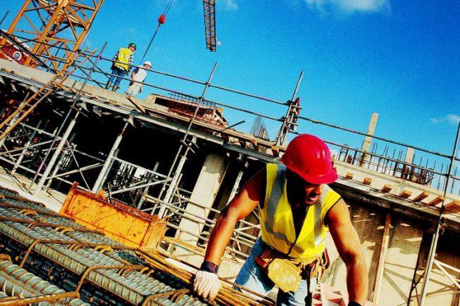 3月加州建築業共增加9400個職位,是工作數量增加最多的產業。(Getty Images)
