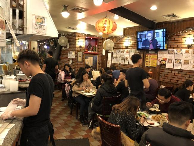 市獨立預算辦公室數據顯示,紐約餐館提供的就業機會十年來首次下降。(記者洪群超/攝影)