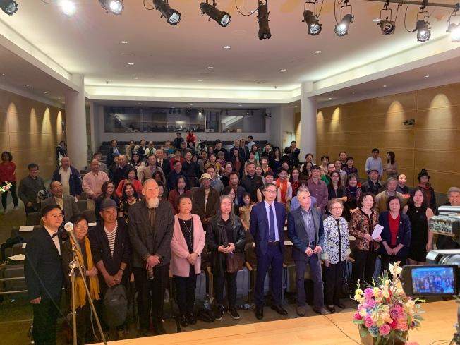第二屆法拉盛詩歌節收到逾250位詩人、500多篇作品。(記者賴蕙榆/攝影)