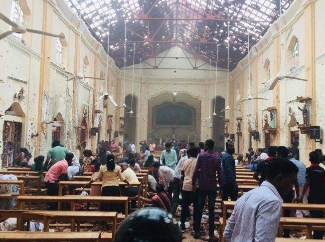 斯里蘭卡首都可倫坡聖安東尼教堂21日早上發生爆炸事件,目前傷亡情況不明。(取材自推特)