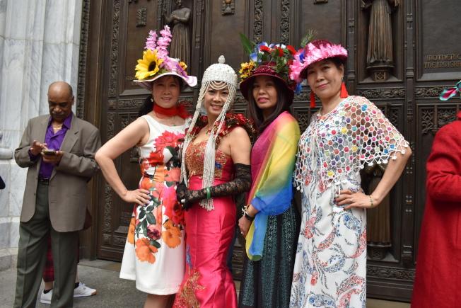 世界旗袍聯合會紐約分會今年約有20名成員到場參加。(記者顏嘉瑩/攝影)