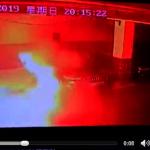 冒白煙後爆炸…上海車庫一特斯拉自燃 公司派員調查