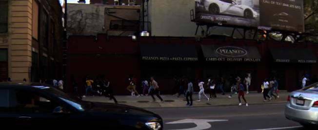 市中心環區21日再次發生青少年聚眾暴亂,共有12人被捕。(CBS視頻截圖)