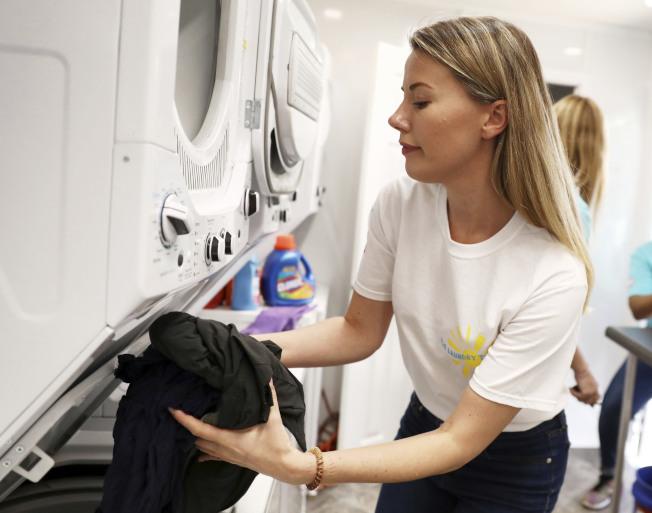 川普總統對進口洗衣機徵收的關稅每年讓美國消費者損失約15億元。(美聯社)