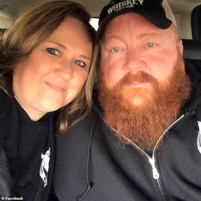42歲男子赫斯本德(Brandon Husband)和他的妻子珍妮佛‧赫斯本德。圖取自臉書