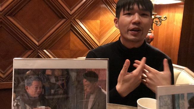 導演李駿碩分享,照片中打鈴哥和大雄交談的一幕是「翠絲」電影中他最感動的場景。(記者董宇╱攝影)