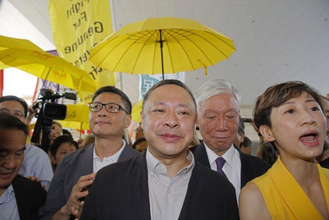 佔中案 戴耀廷陳健民囚16月最重 即時監禁
