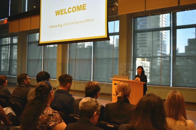 第五屆年度市長服務表彰儀式23日在曼哈頓中城卡內基音樂廳舉行,伍彩妹在致詞時感謝這些志工們的服務。(記者顏嘉瑩/攝影)