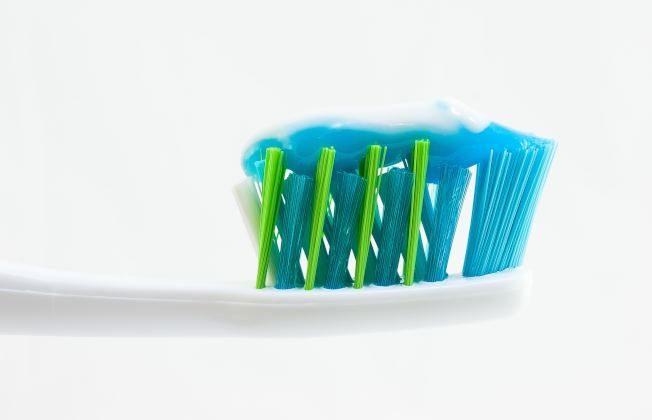 90~95%的人都刷錯了!醫師點出三大NG潔牙法