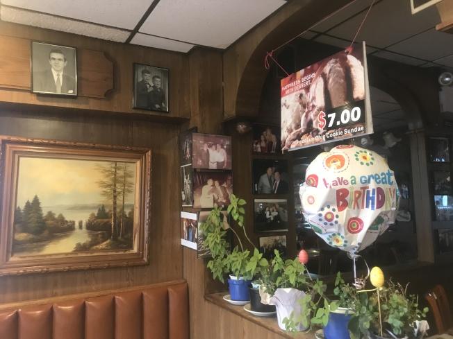 「凱恩家的法拉盛餐廳」裝修簡單,希望打造「祖母家的廚房」。(記者牟蘭/攝影)