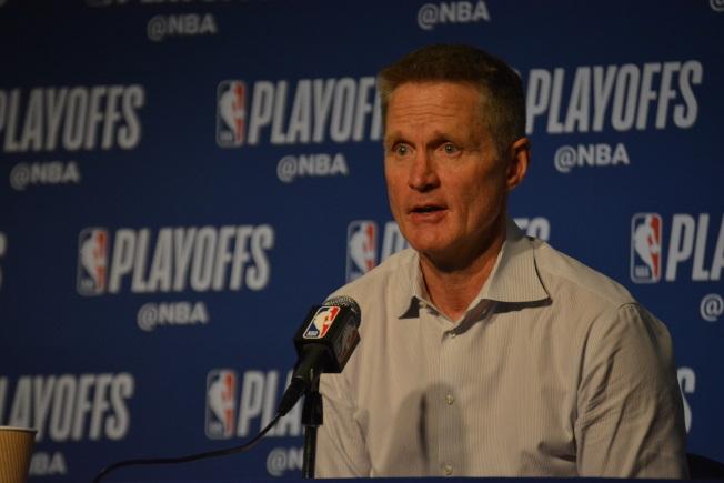 勇士教頭柯爾說,球隊進攻沒問題,關鍵是沒防守。(記者劉先進╱攝影)