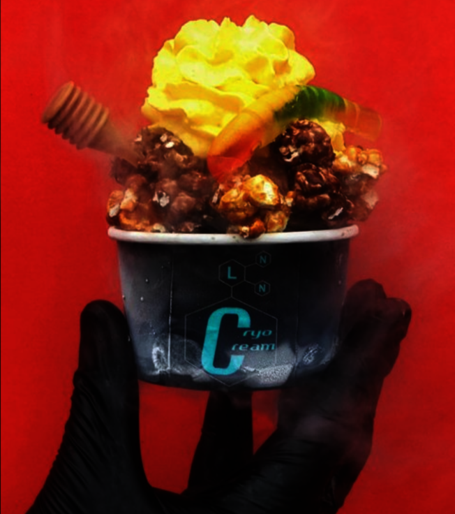 炸雞甜筒「Chicken Cone」與液態氮冰淇淋店「Cryo Cream」今年也在百老匯小吃集市中重磅回歸。(取自官網)