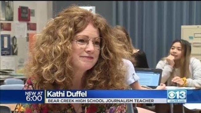 校園報「熊聲」的指導老師杜佛不畏學區審查威脅,堅持言論自由。(電視新聞截圖)