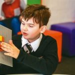 邊玩邊學習 樂高明年推首款點字積木